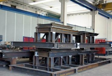 Carpenteria bergamo carpenteria e strutture in ferro a for Capriate in ferro